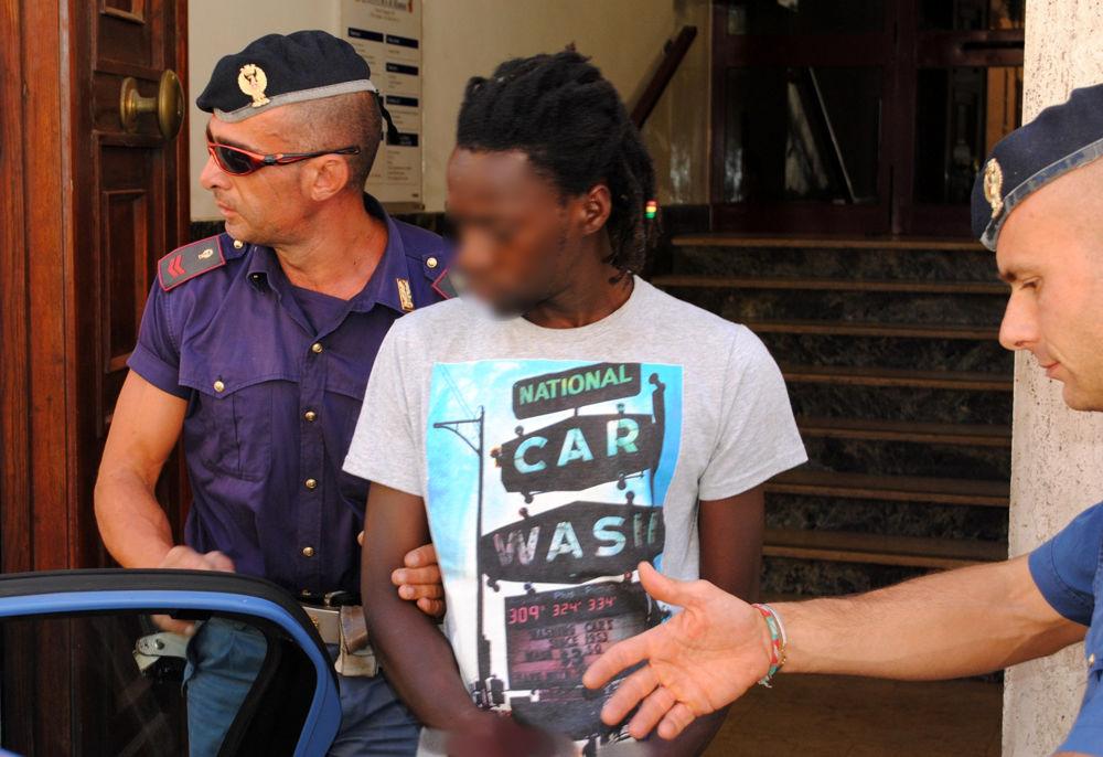 arresto spacciatore questura polizia big beta-2