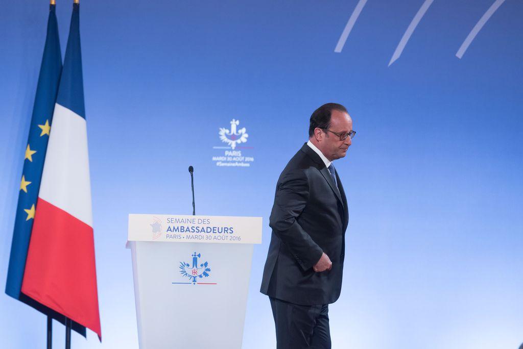 le-president-de-la-republique-francois-hollande-fait-un-discours-lors-de-la-semaine-des-ambassadeurs_exact1024x768_l