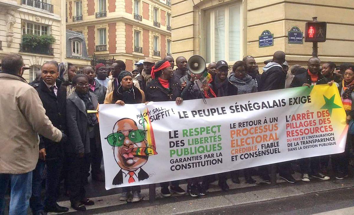 mobilisation-opposition-consulat-du-senegal-a-paris